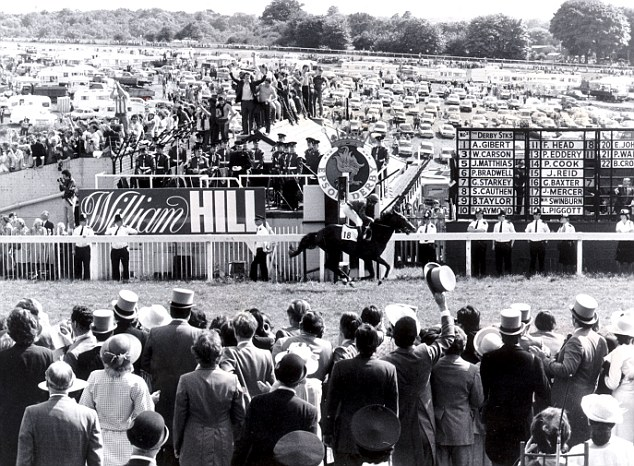 Shergar wins the 1981 Derby by ten lengths!