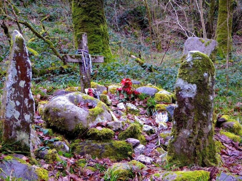 Cist, Bullaun and standing stones