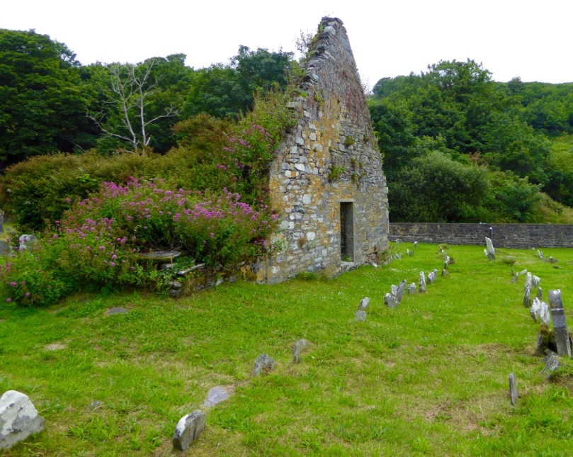 Castlehave graveyard, old church