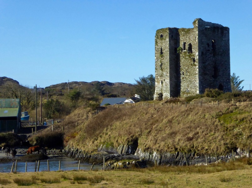 Dunmanus Castle and bridge