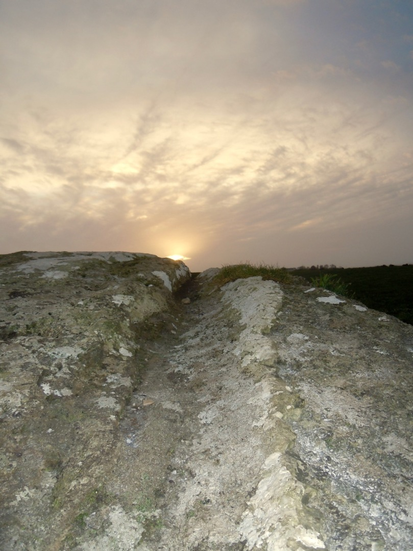 Bawngare boulder burial winter solstice sunset
