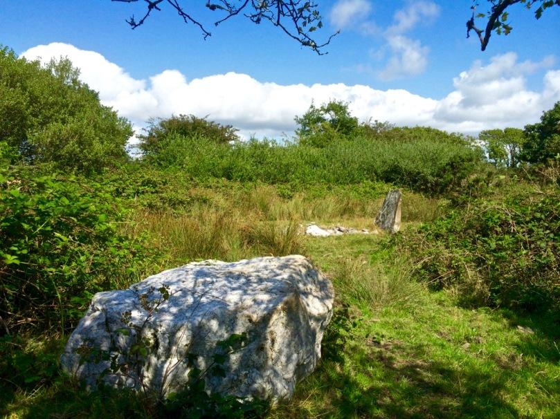 Cullomane boulder burial
