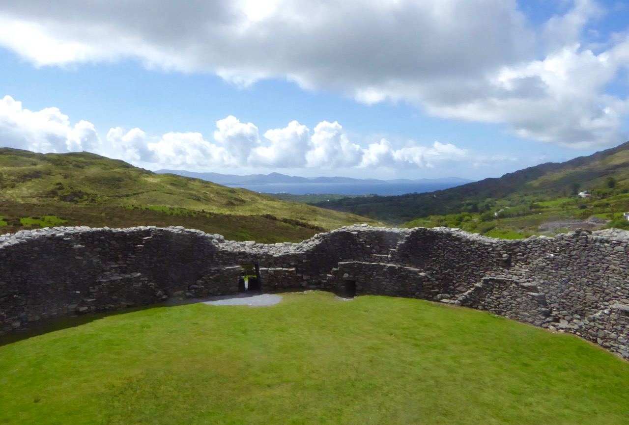 Staigue Interior and outlook