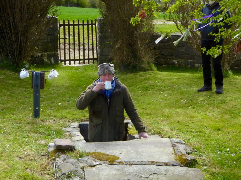 Tasting the water, Inghne Bhuidhe