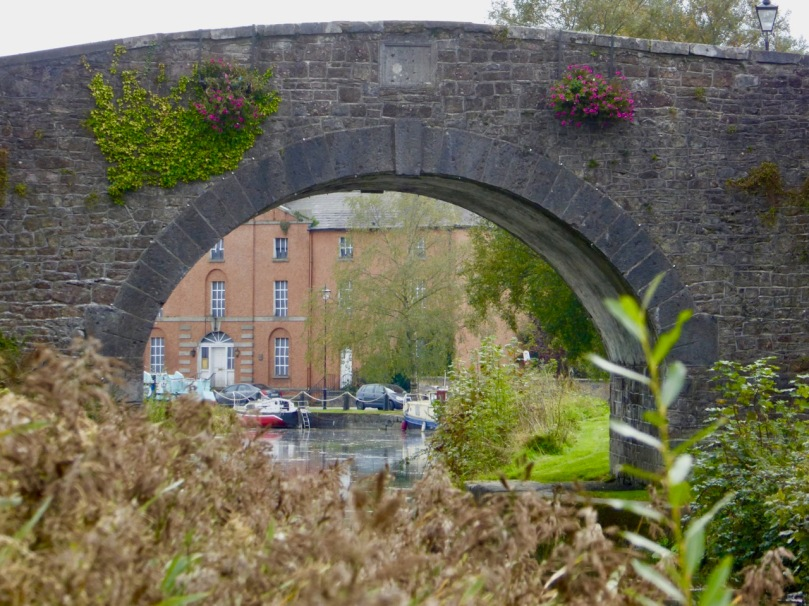 rbtstown hotel through bridge
