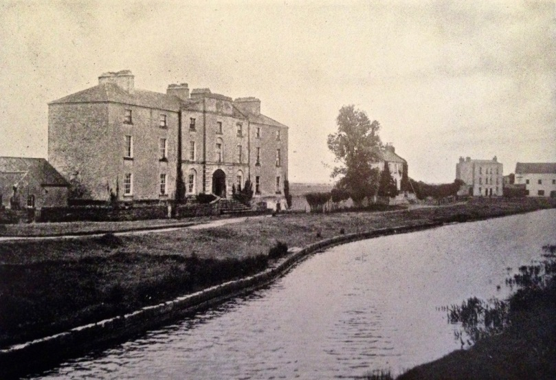 Shannon Harbour, Grand Canal Hotel