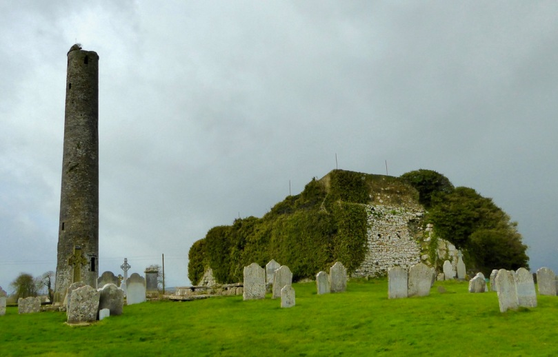 Grangefertagh round tower and church