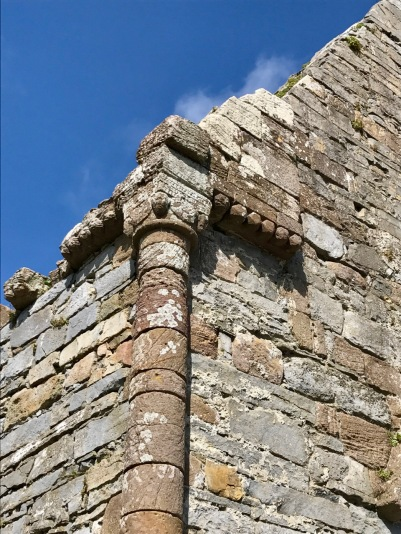 Column corner